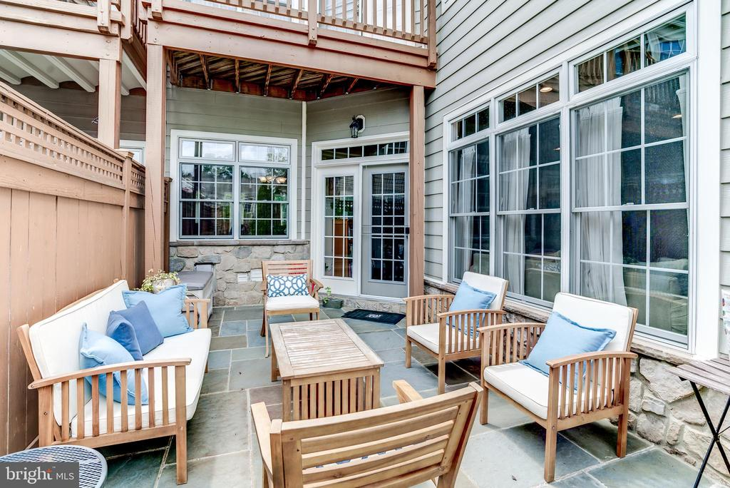 French doors from kitchen to private slate patio - 43600 CANAL FORD TER, LEESBURG