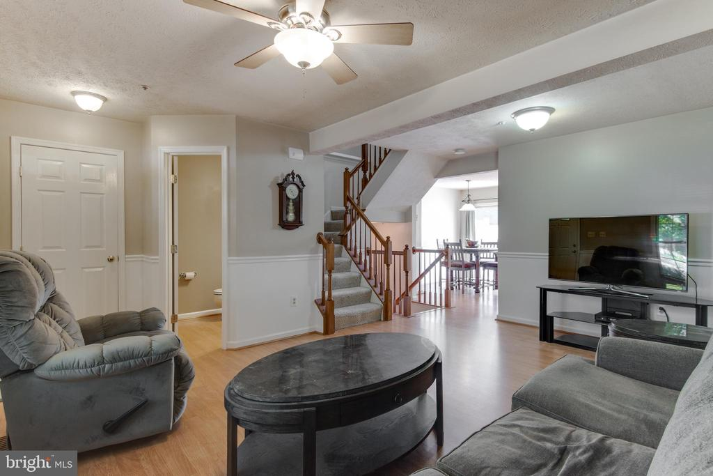 Very spacious and open living room - 8873 OLD SCAGGSVILLE RD, LAUREL