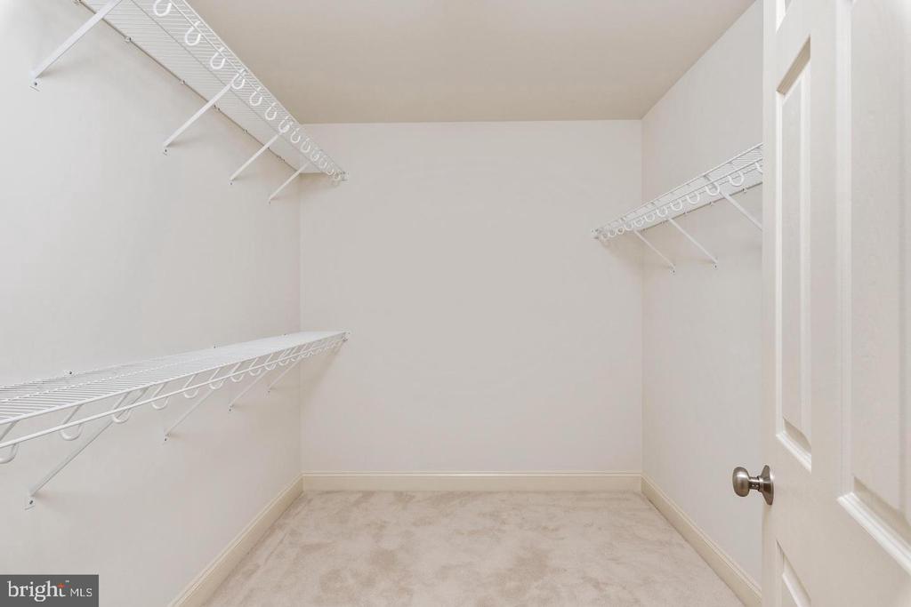 Walk-In Closets - 9628 BOUNDLESS SHADE TER, LAUREL