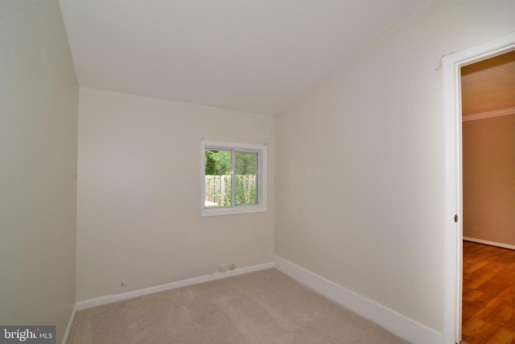 Office off Family Room - 246 W MEADOWLAND LN, STERLING