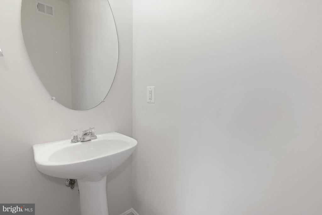 Half Bath Lower Level - 43666 CHICACOAN CREEK SQ, LEESBURG