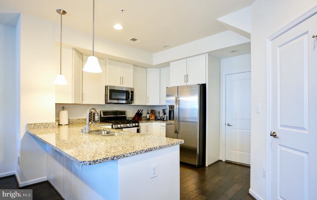 Granite Countertops - 8233 GREENBELT STATION PKWY #310C, GREENBELT