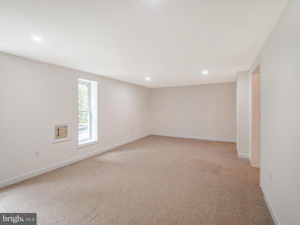 Basement Bedroom - 32420 GADSDEN LN, LOCUST GROVE