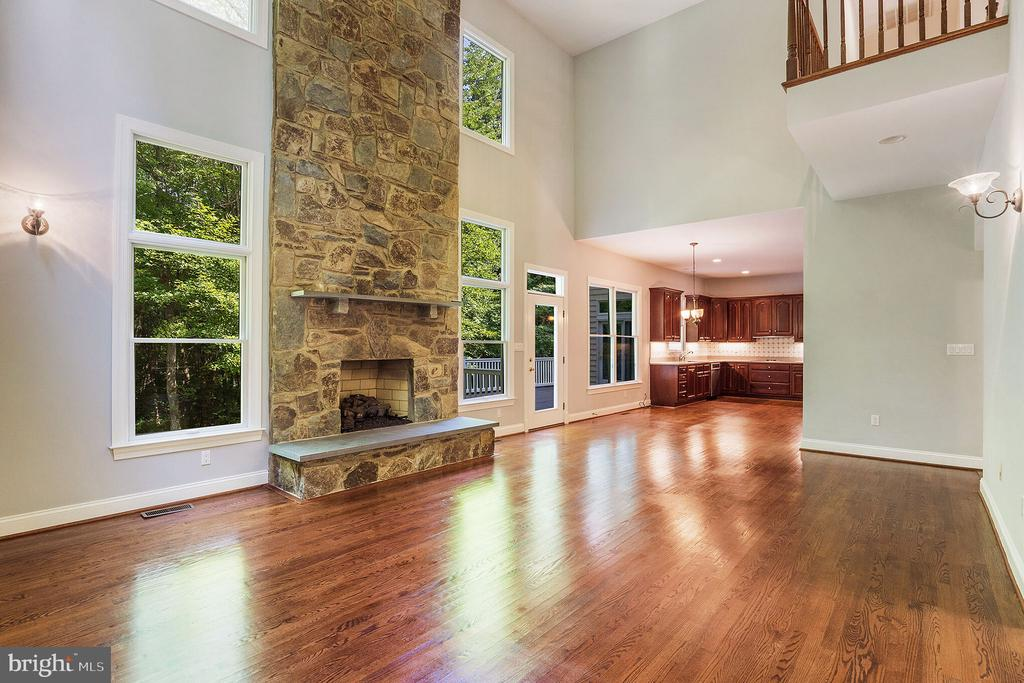 Main Level Family Room - 5229 GRIFFITH RD, GAITHERSBURG
