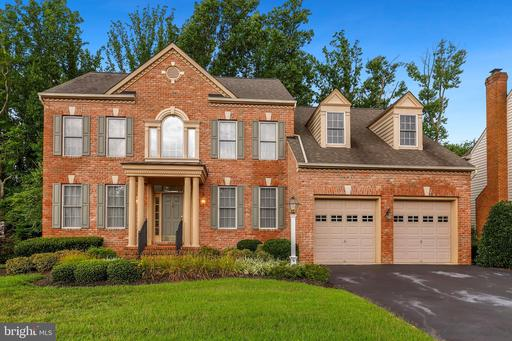1404 COLONIAL MANOR CT