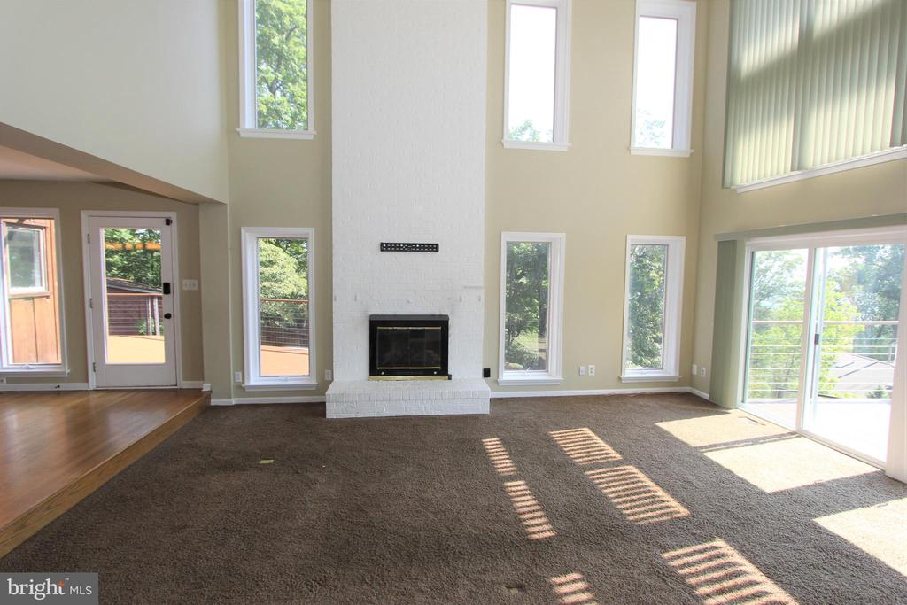 Great room, view 4 - 5520 BOOTJACK DR, FREDERICK