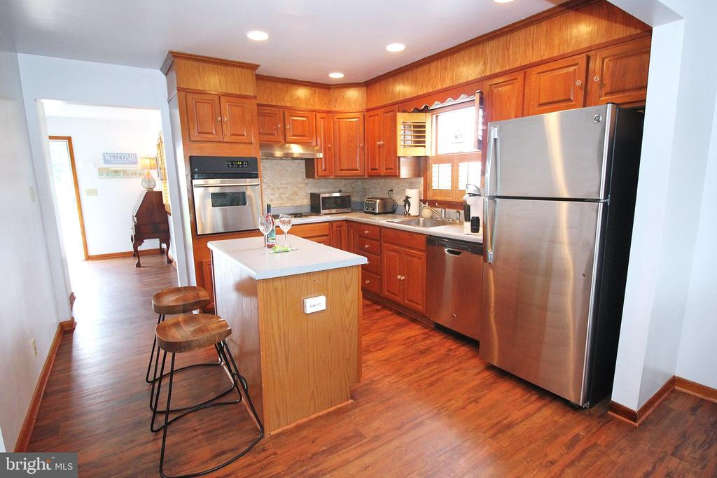 Updated Kitchen - 15908 DAYS BRIDGE RD, MINERAL