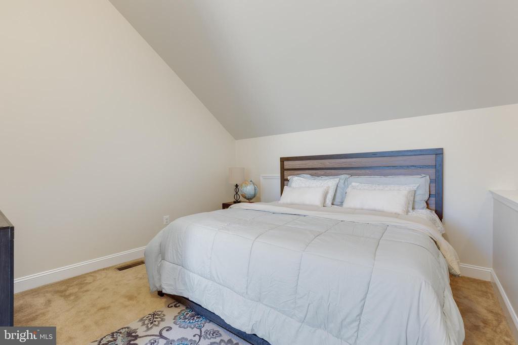 Loft Master Bedroom - 4512 POTOMAC HIGHLANDS CIR, TRIANGLE