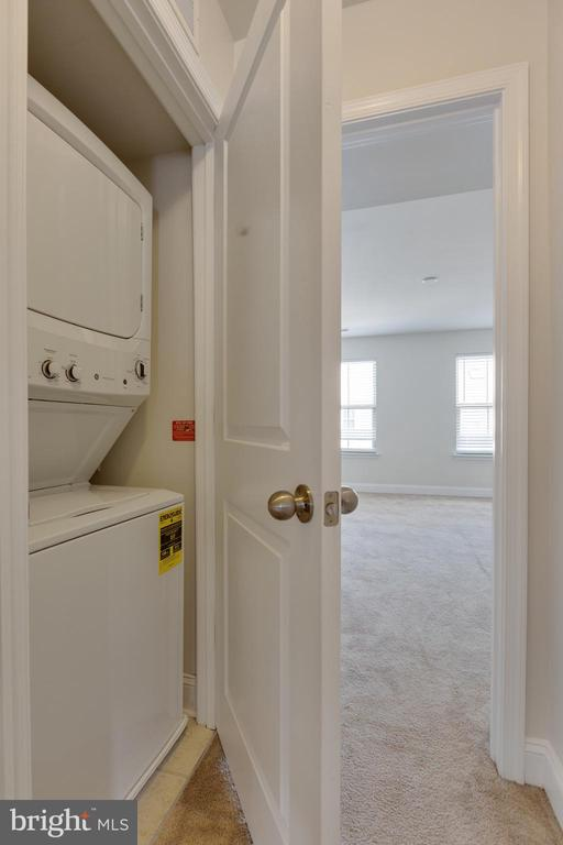 Laundry Room on upper level - 4512 POTOMAC HIGHLANDS CIR, TRIANGLE