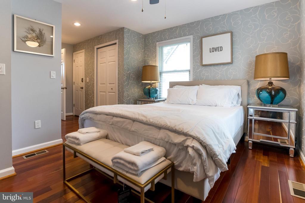 Owners'suite - 2209 FRANKLIN ST NE, WASHINGTON