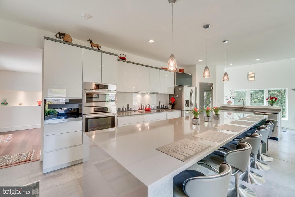 Seamless flow from outdoor dining to kitchen.... - 13814 ALDERTON RD, SILVER SPRING