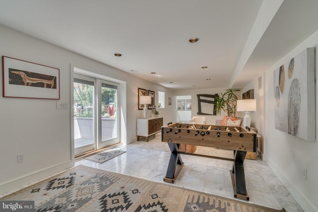 Ground level opens to outdoor living space - 13814 ALDERTON RD, SILVER SPRING