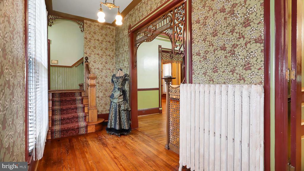 Foyer - 6404 WASHINGTON BLVD, ARLINGTON