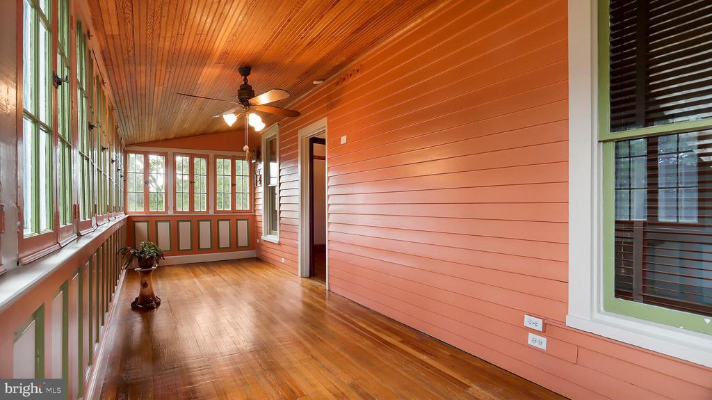 Sunroom - 6404 WASHINGTON BLVD, ARLINGTON