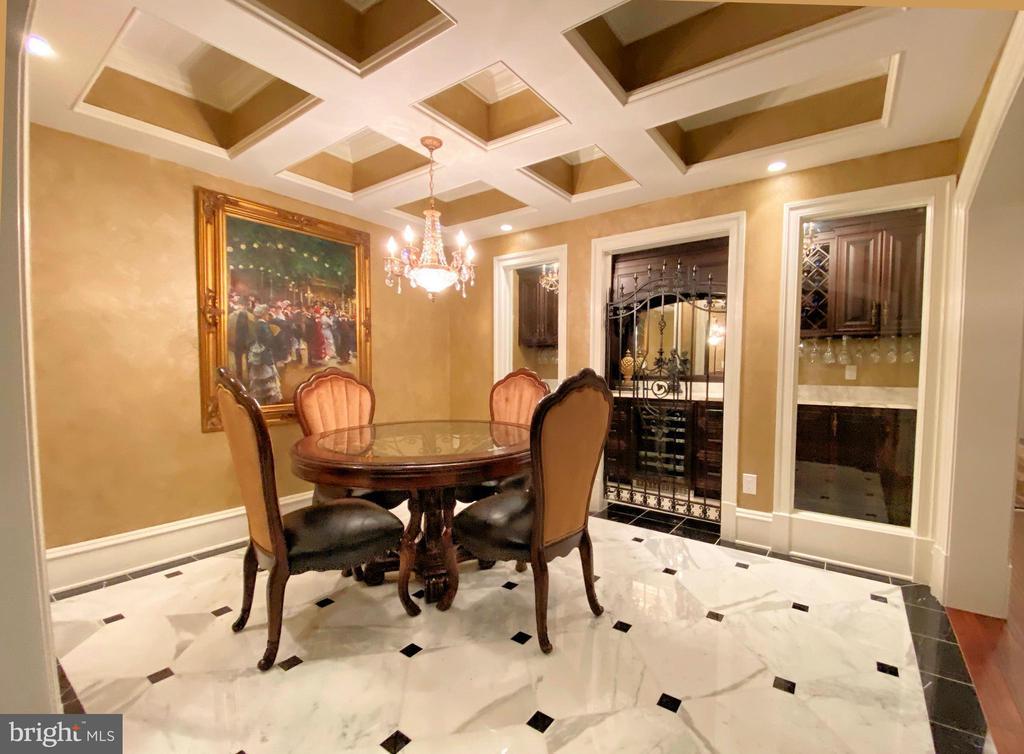Elegant wine tasting room - 40483 GRENATA PRESERVE PL, LEESBURG