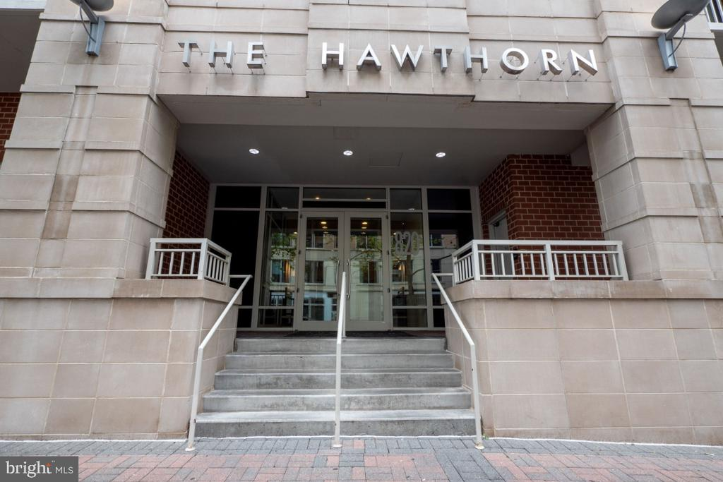 Welcome to The Hawthorn ! - 820 N POLLARD ST #603, ARLINGTON