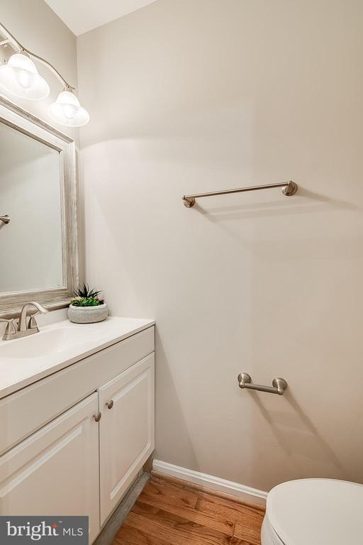Main Level Half Bath - 667 N ARMISTEAD ST, ALEXANDRIA