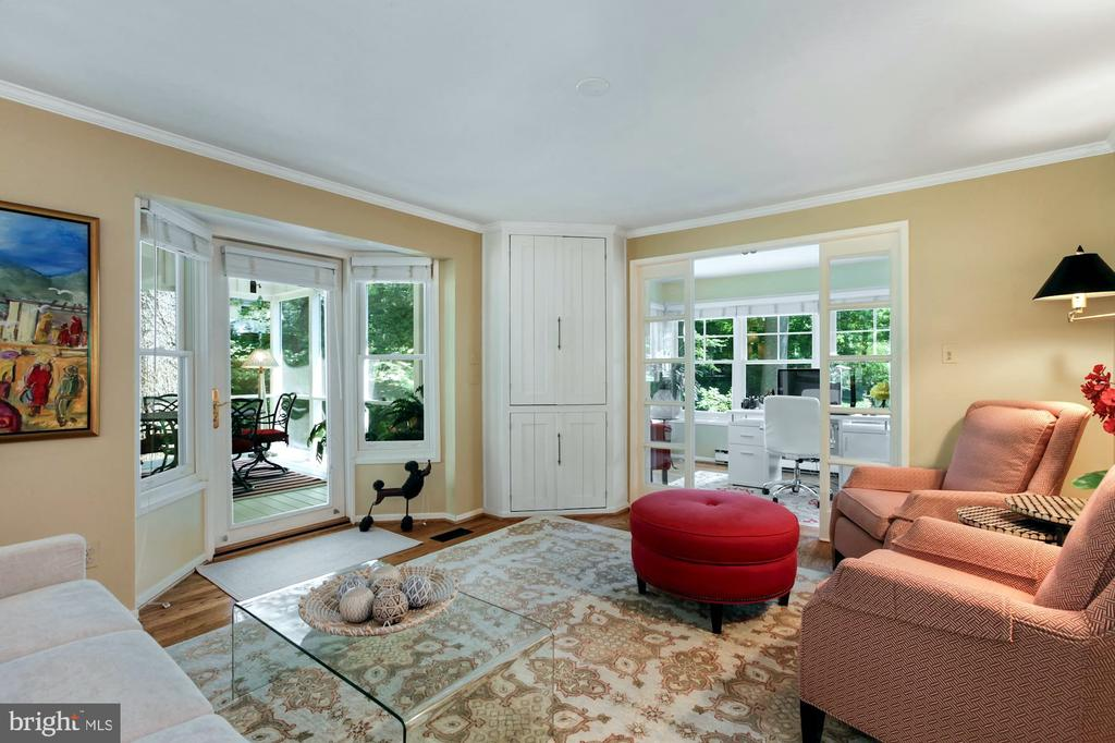 ENJOY THE COZY LIVING ROOM JUST OFF DINING AREA - 9500 WOODSTOCK CT, SILVER SPRING