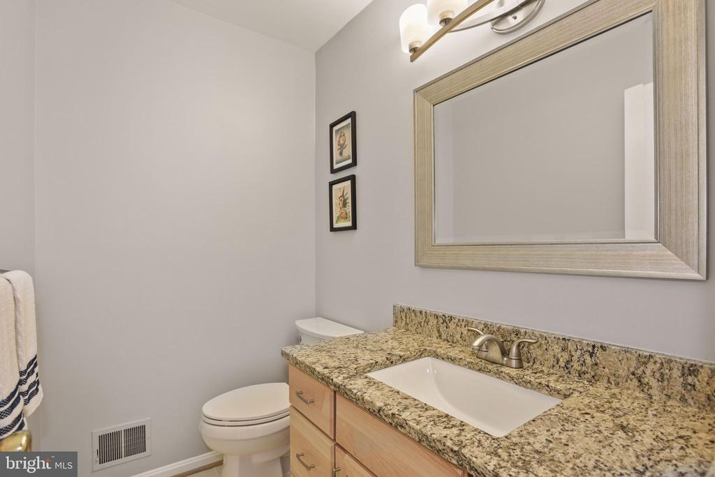 Beautifully Appointed Half Bathroom on Main Level! - 9522 BACCARAT DR, FAIRFAX
