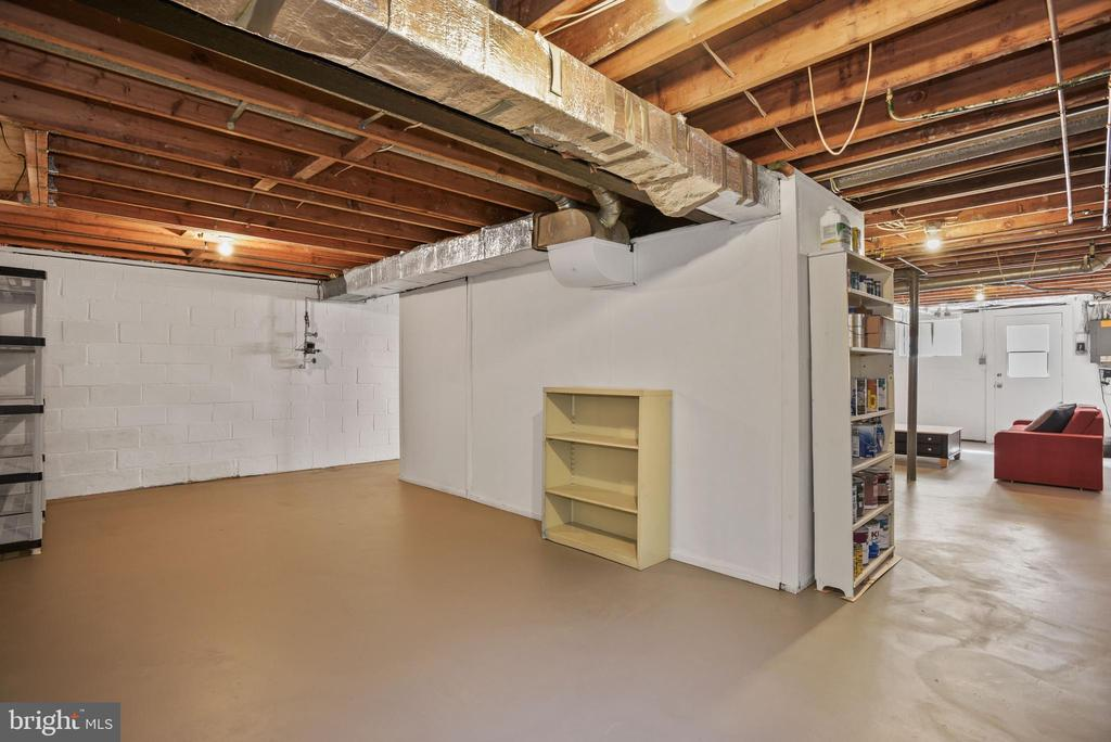 Basement is HUGE at 850 Square Feet! - 9522 BACCARAT DR, FAIRFAX