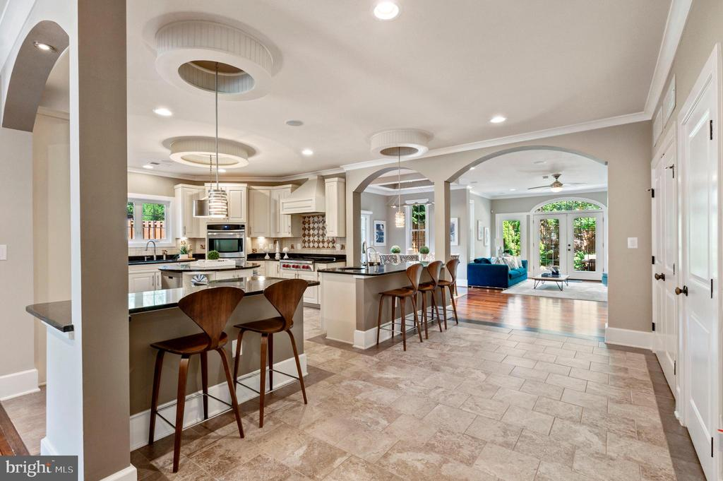 View into Kitchen, Breakfast Bars and Family Room - 4389 OLD DOMINION DR, ARLINGTON