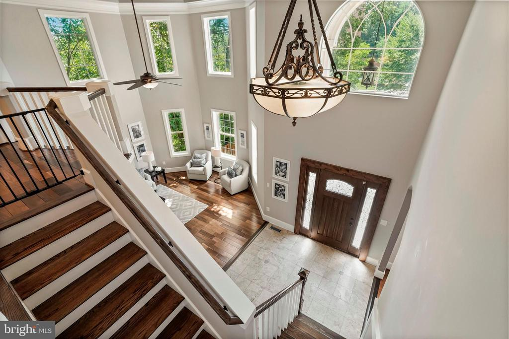 Stairs with Dramatic View - 4389 OLD DOMINION DR, ARLINGTON