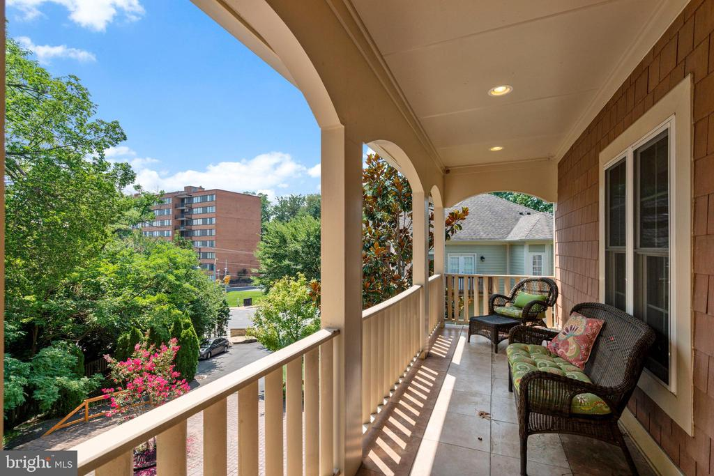 Balcony on Bedroom Level - 4389 OLD DOMINION DR, ARLINGTON