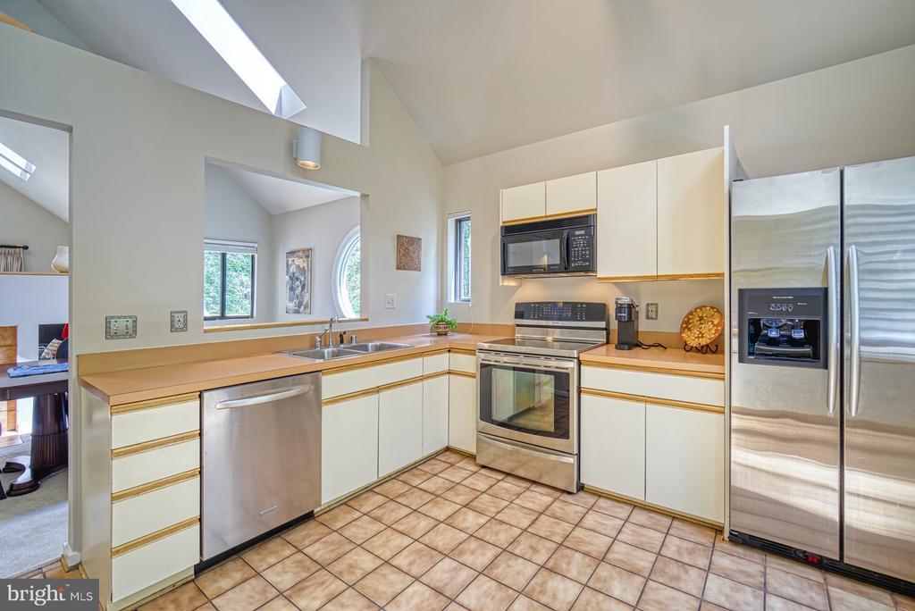 Kitchen - 11517 TURNBRIDGE LN, RESTON