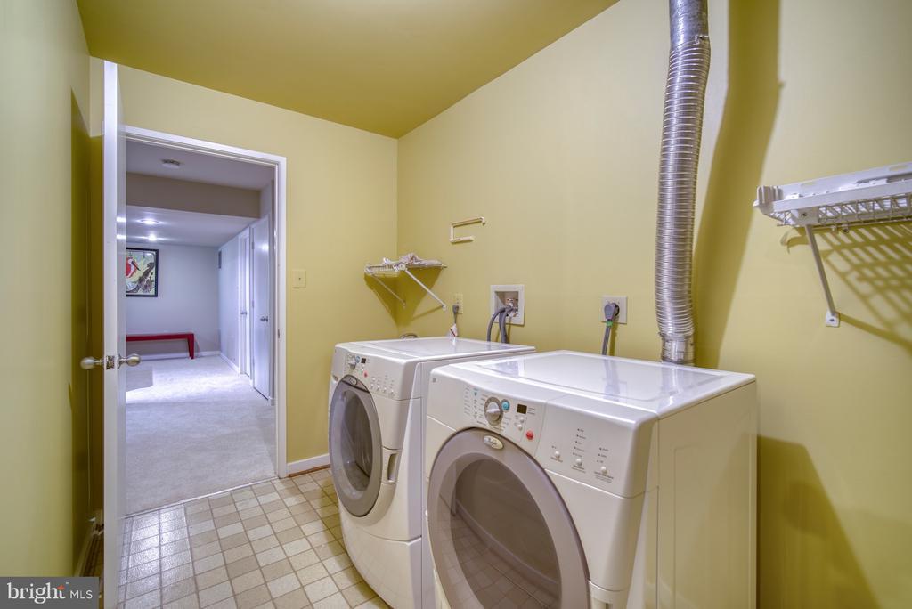 Spacious Laundry Room with Storage - 11517 TURNBRIDGE LN, RESTON