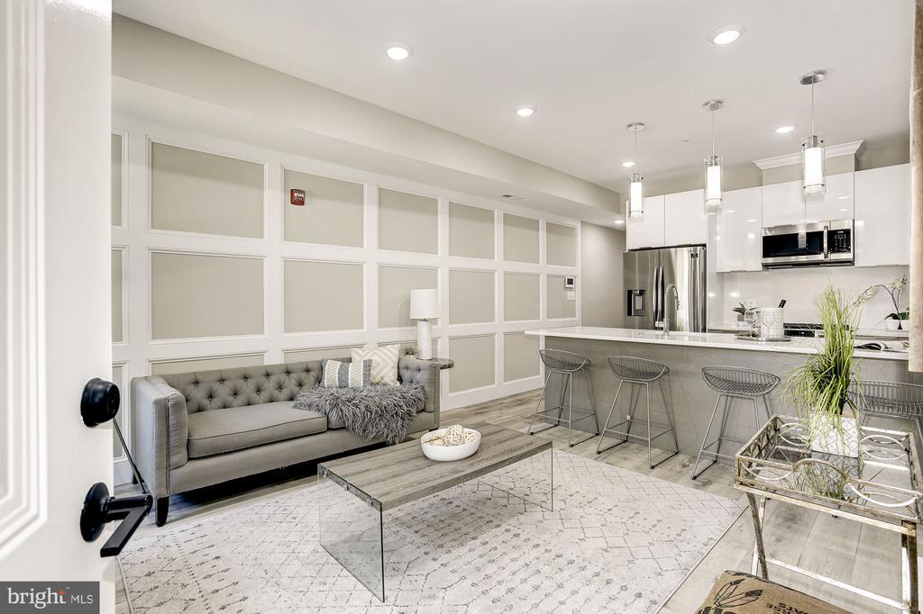Great open floor plan - 1206 LONGFELLOW ST NW #2, WASHINGTON