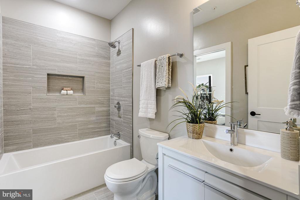 2nd full bath - 1206 LONGFELLOW ST NW #2, WASHINGTON