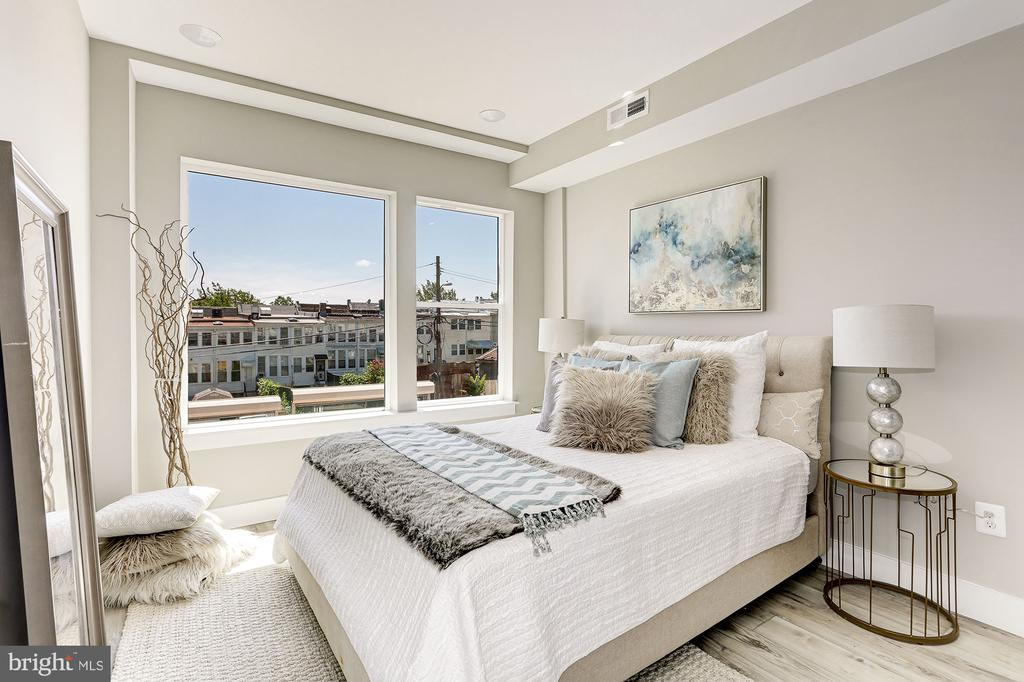 Owners' suite... - 1206 LONGFELLOW ST NW #2, WASHINGTON