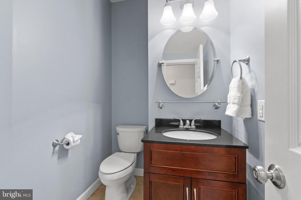 Recently updated main level half bath - 47572 COMER SQ, STERLING