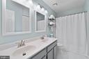 Recently updated hall bath w/dual sink vanity - 47572 COMER SQ, STERLING