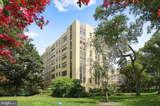 3901 CATHEDRAL AVE NW #24