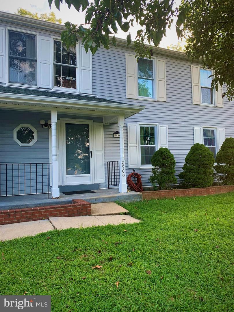Single Family Homes 为 销售 在 Adelphi, 马里兰州 20783 美国