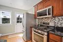 new appliances, gas cooking, door to deck - 3616 ARLINGTON BLVD, ARLINGTON