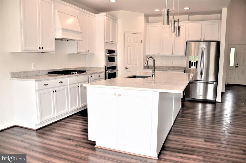 KitEx1-Option-Wood Floors,White Cabinets, Dbl Oven - 11950 HONEY GROVE TRL, NOKESVILLE