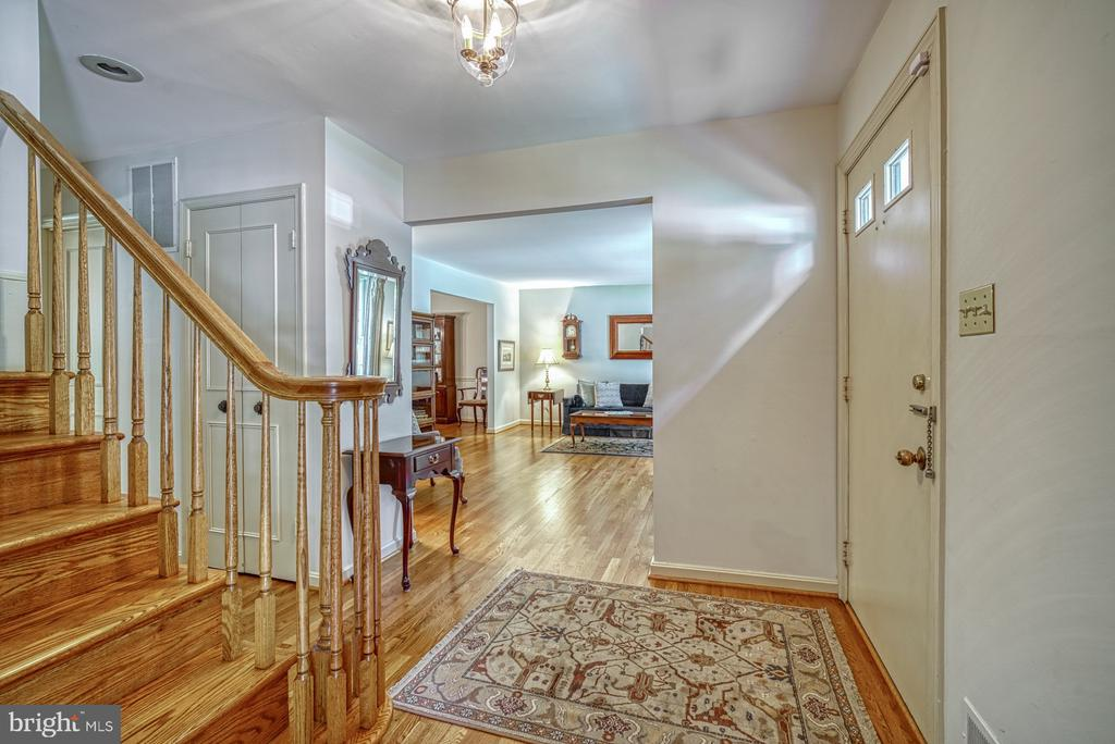 Check out the 3D Tour - 8415 FROST WAY, ANNANDALE