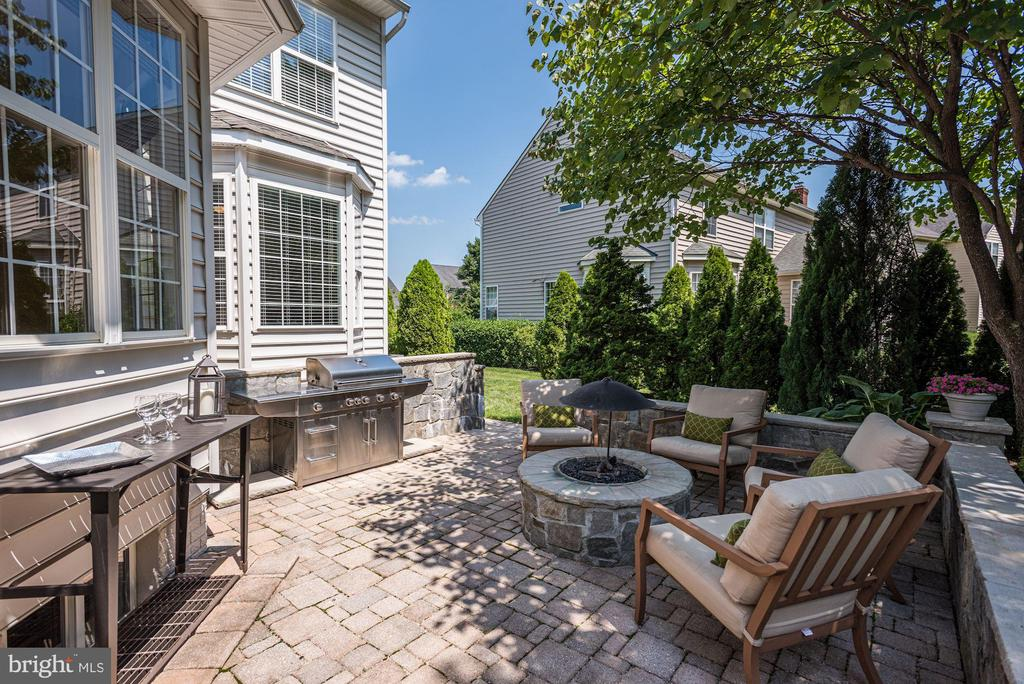 Custom Patio | Fire Pit | Built-In Grill - 11007 COUNTRY CLUB RD, NEW MARKET