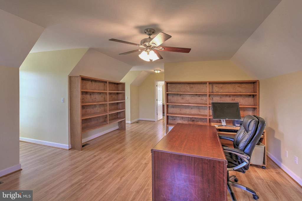 Office Suite over Garage - 2921 DUCKER DR, LOCUST GROVE