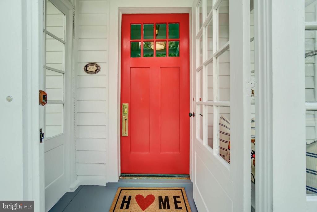 Charming front porch - 2900 FRANKLIN RD, ARLINGTON