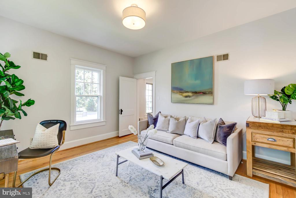 First floor Bedroom - great for au pair/nanny - 2900 FRANKLIN RD, ARLINGTON