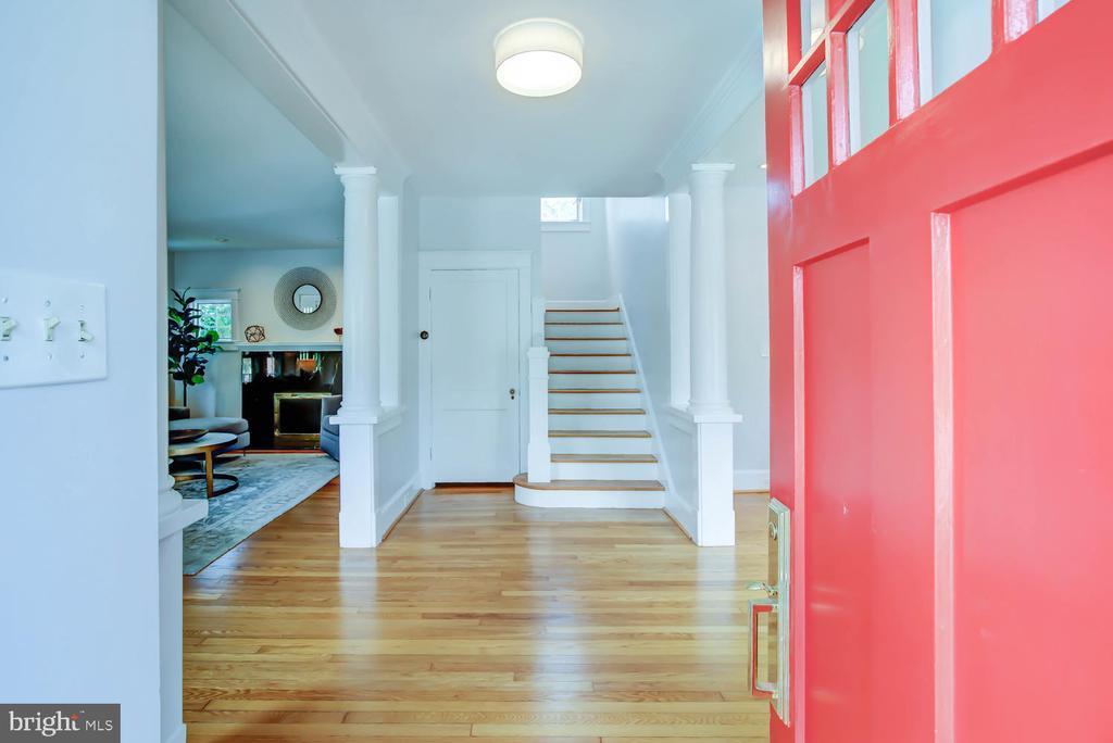 Welcome Home! - 2900 FRANKLIN RD, ARLINGTON