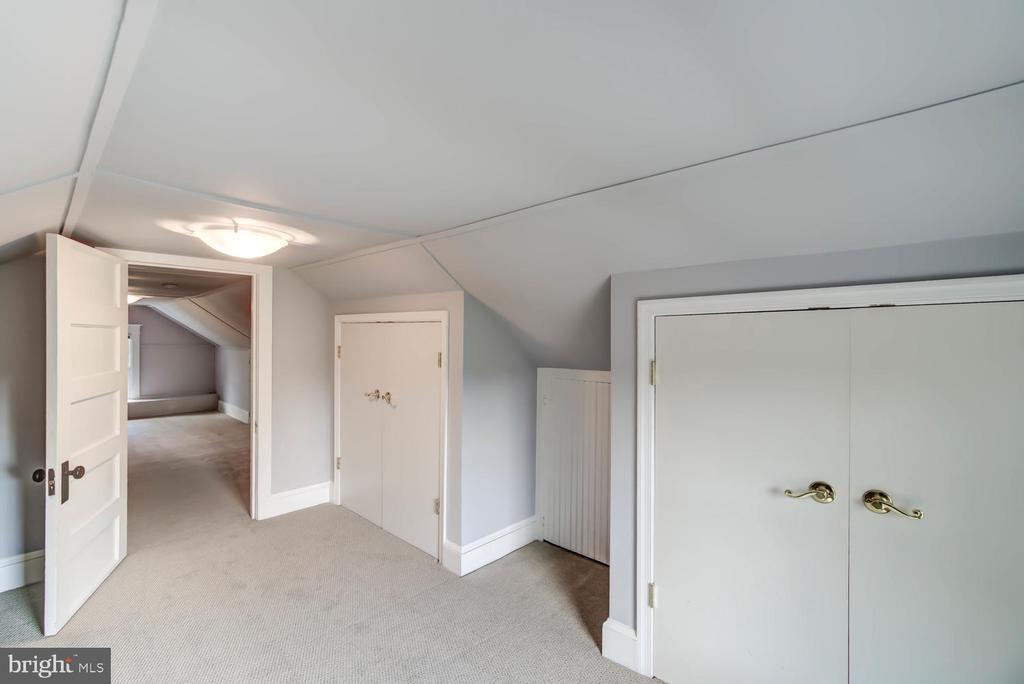 Attic  - separate room with door - 2900 FRANKLIN RD, ARLINGTON