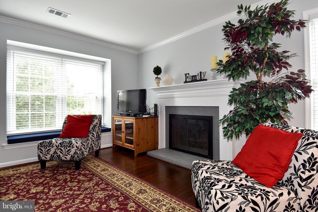 LIVING ROOM - 784 N VERMONT ST, ARLINGTON