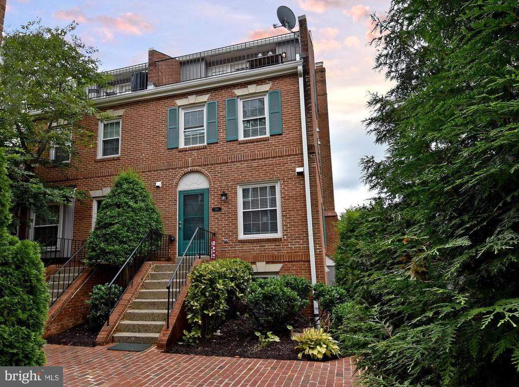 HOME SWEET HOME - 784 N VERMONT ST, ARLINGTON