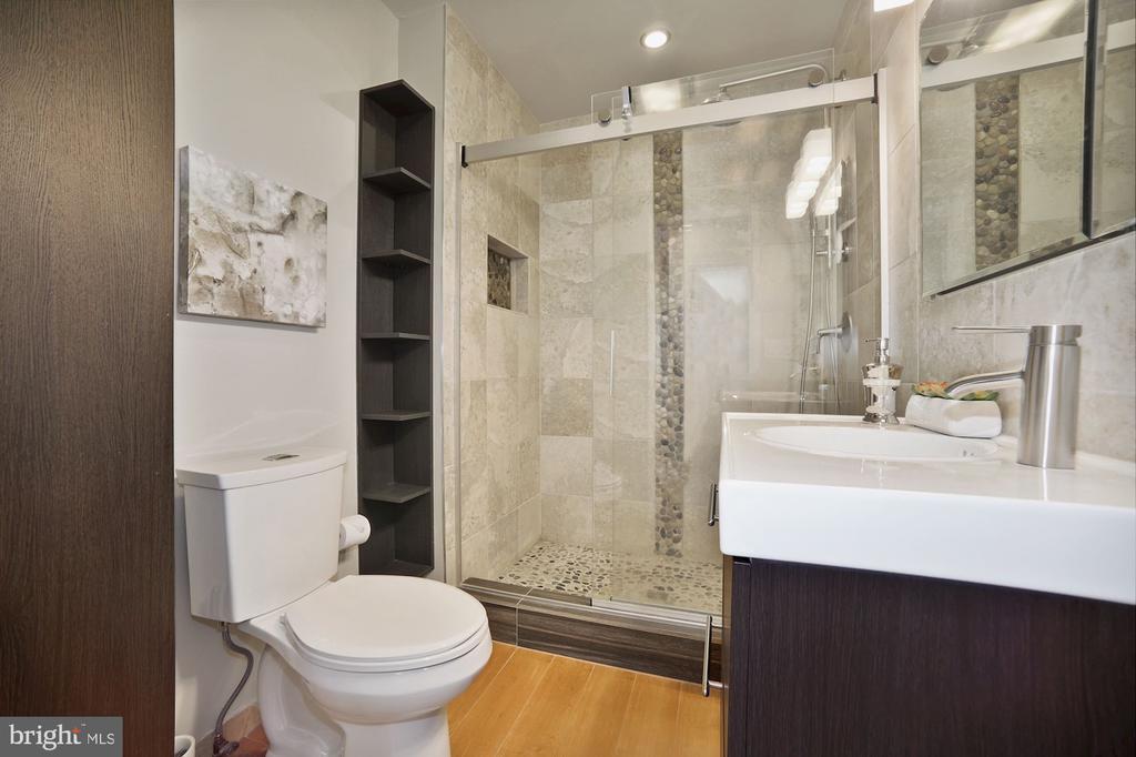 Main spa-like bath with river rock shower floor - 332 CHANNING ST NE, WASHINGTON