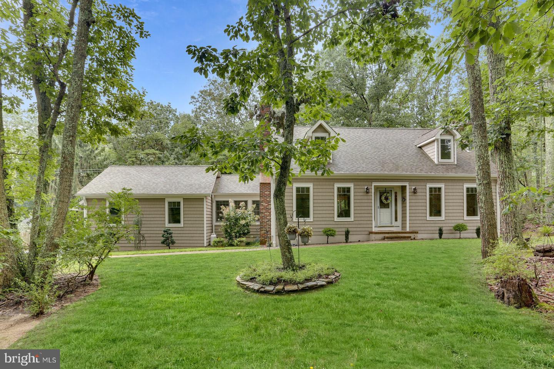 Single Family Homes для того Продажа на Cream Ridge, Нью-Джерси 08514 Соединенные Штаты