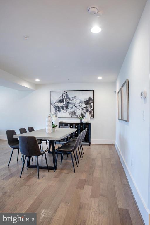 Dining Area East - 645 MARYLAND AVE NE #201, WASHINGTON